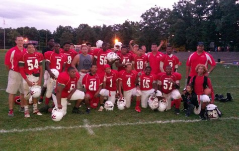 Red Devils Football Team Defeats Saunders, 18-14