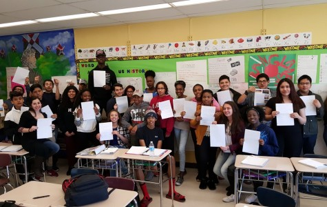 Spanish 3 Students Exchange Letters with Spanish Pen Pals