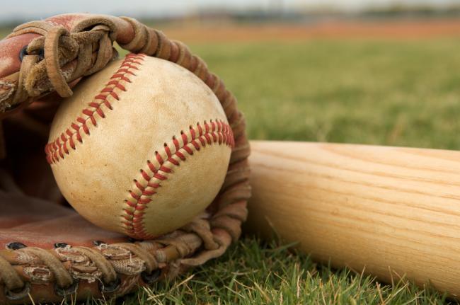 Boys Baseball wins Scrimmage 5-3